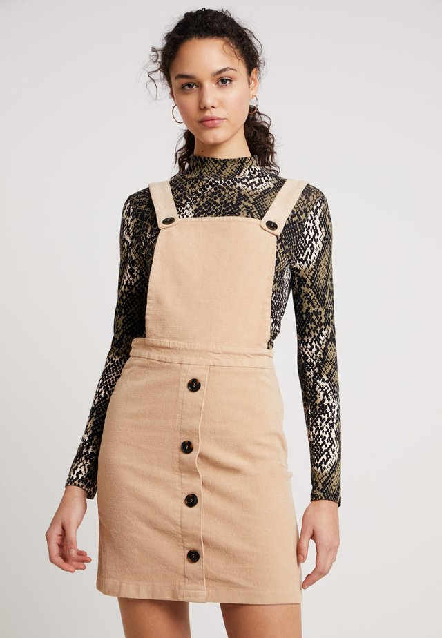 EXCLUSIVE BUTTON PINNY - Day dress - camel