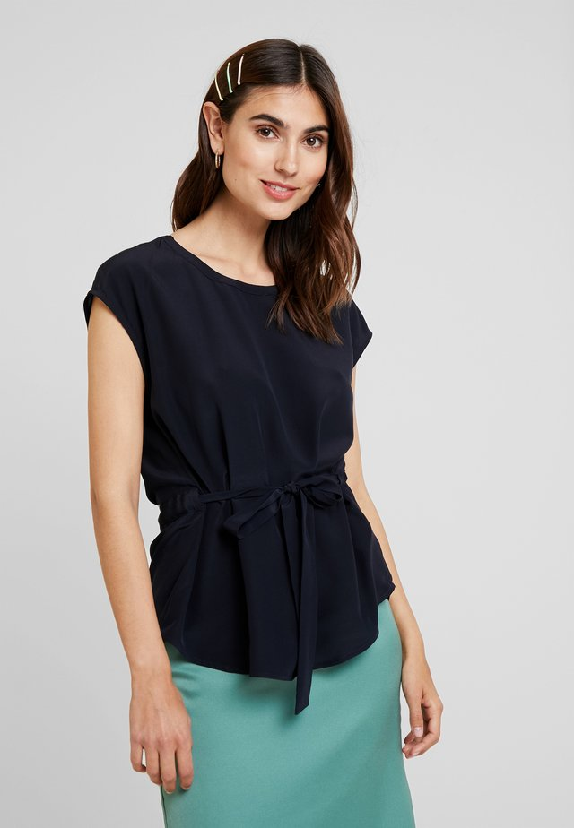 BLOUSE BELT WITH TUNNEL AT BACK - Bluser - pure navy
