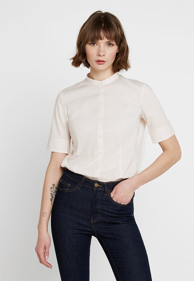 SHORT SLEEVED STAND COLLAR - Blusa - chilly rose