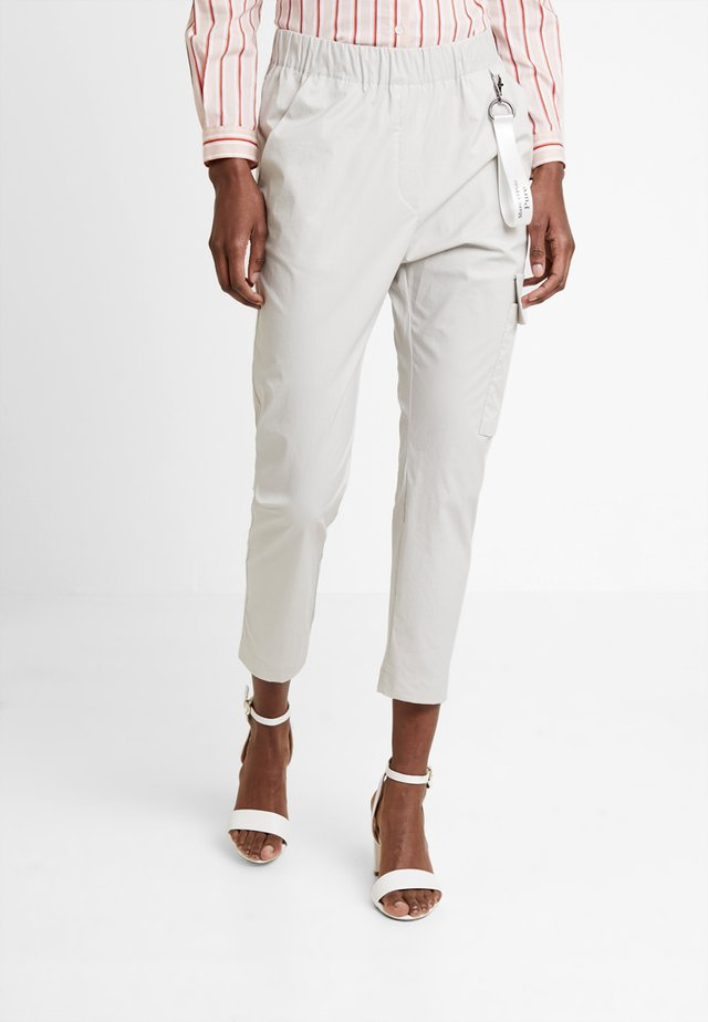 Cargo trousers - clay stone