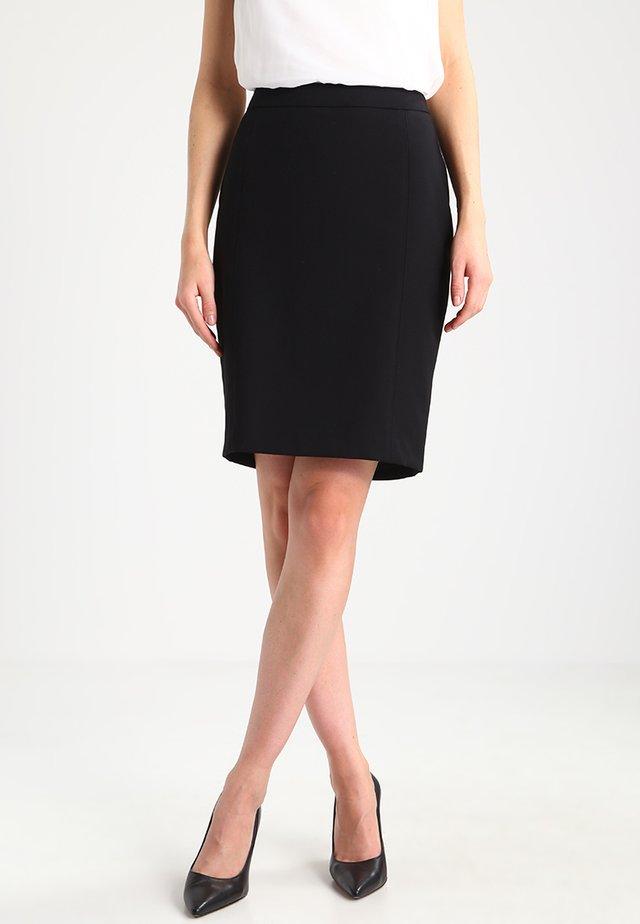 XOON - Pouzdrová sukně - black
