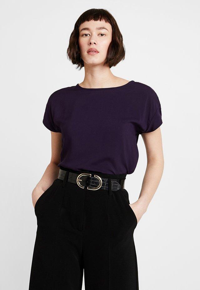 SKITA - Bluser - dark violet