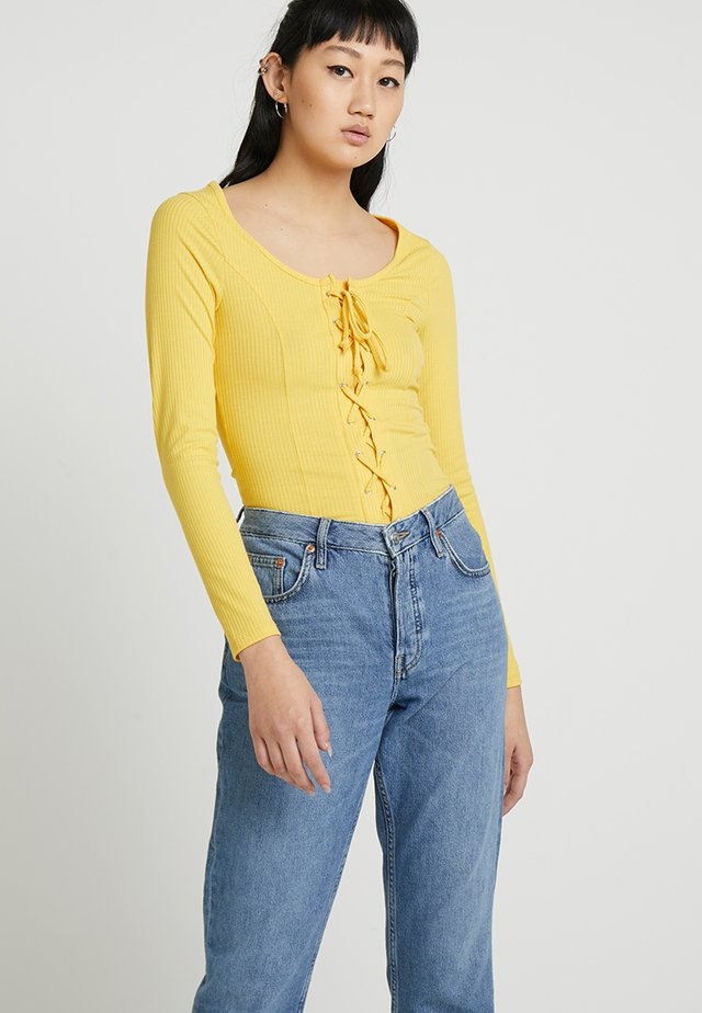 LATTICE FRONT LONG SLEEVE - Long sleeved top - dark yellow