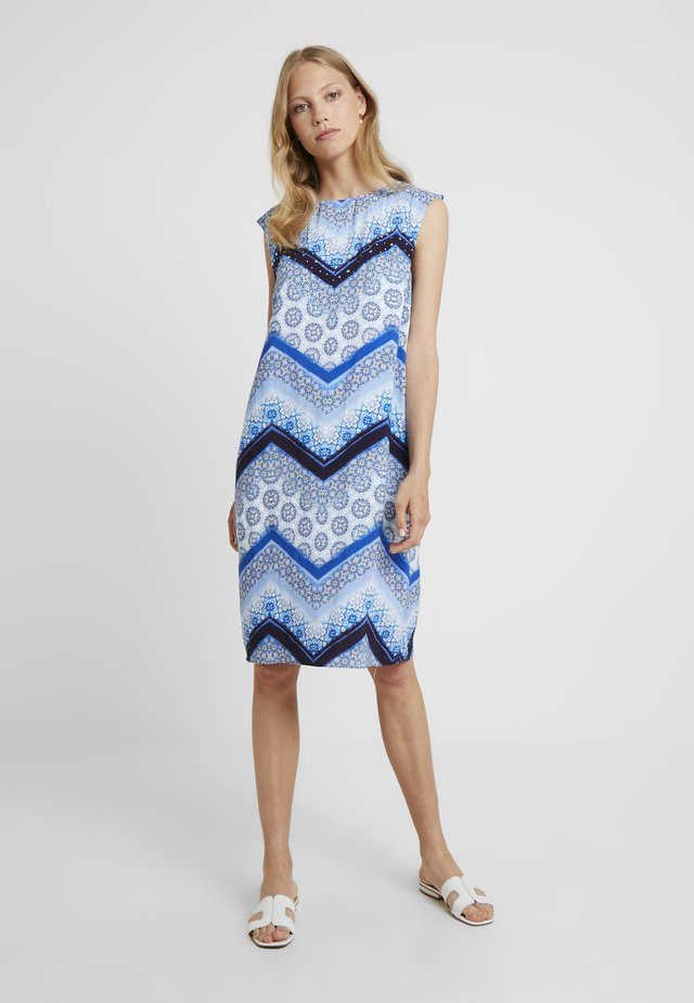 CHEVRON HOTFIX PINNY - Freizeitkleid - blue