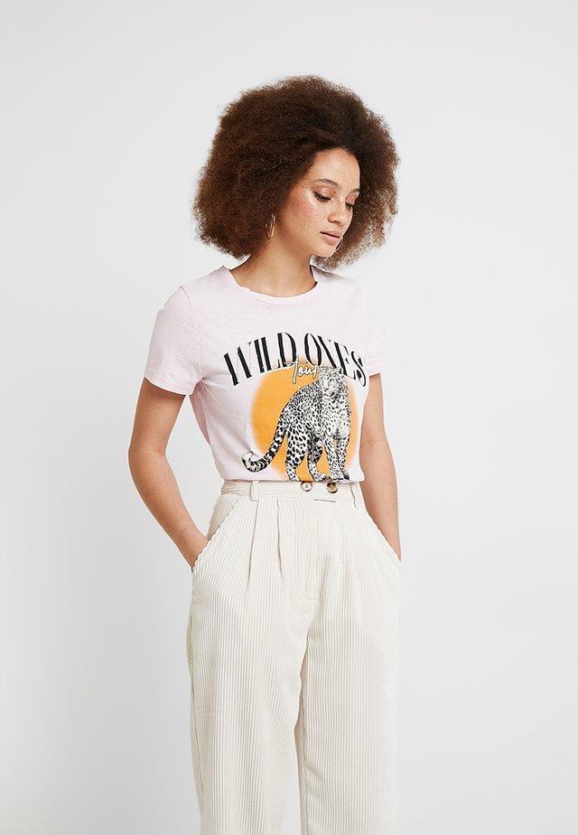 WILD ONES LEOPARD ACID WASH TEE - T-shirt print - pink