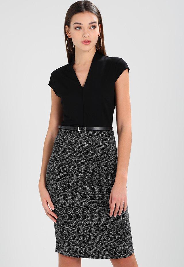 Shift dress - off-white / black