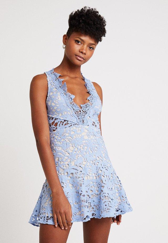 DANUBE MINI DRESS - Robe d'été - blue