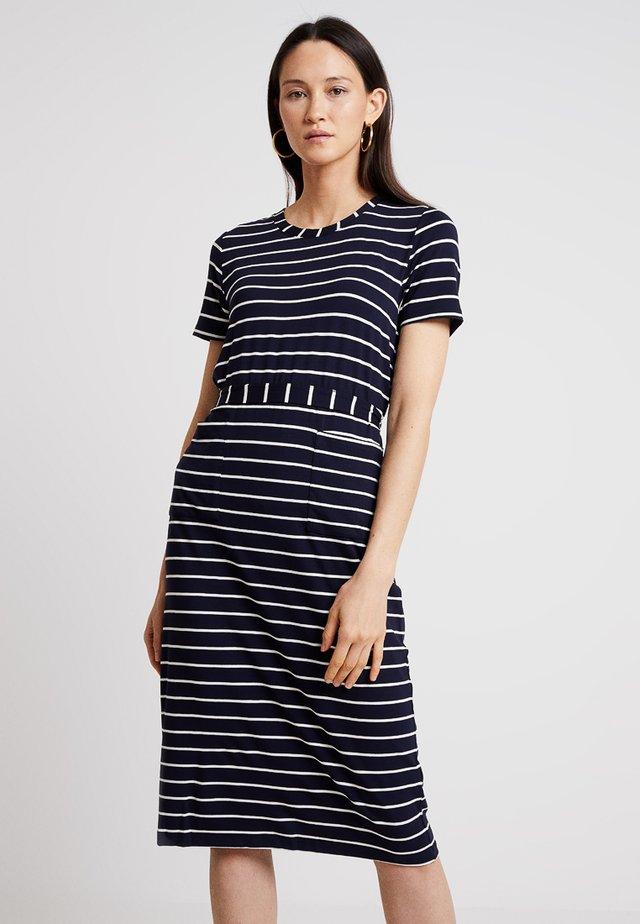1a95b1907689 S.Oliver Kleider online kaufen | Entdecke dein neues Kleid bei ZALANDO