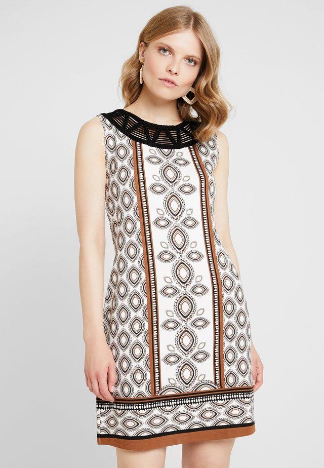 ÄRMELLOS - Vestito di maglina - white