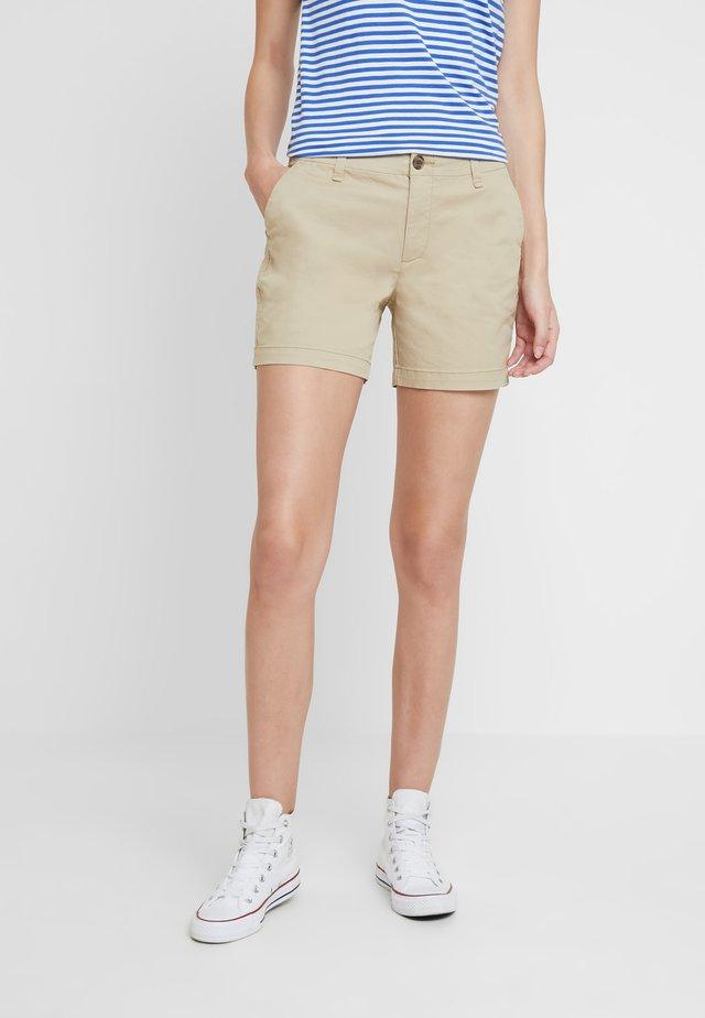 IN CITY  - Shorts - iconic khaki