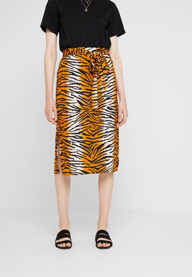 TIGER PRINT TIE WAIST MIDI - A-line skirt - orange