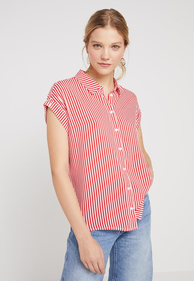 SHORT SLEEVE - Button-down blouse - red