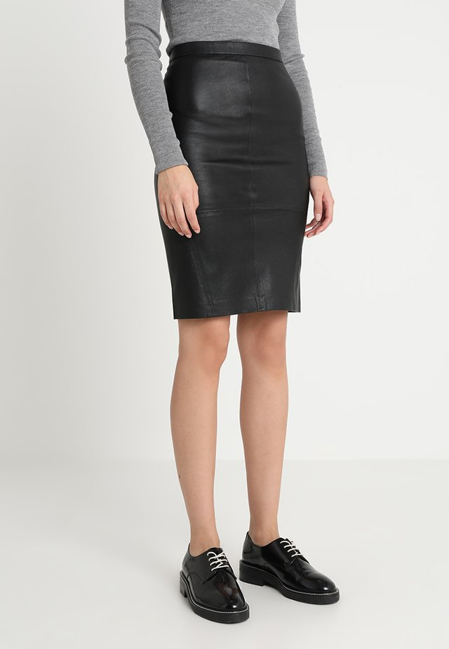 PLONGY - Pencil skirt - black