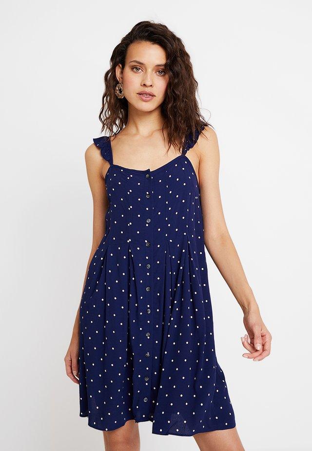 RUFFLE TIE STRAP RELEASE PLEAT DRESS - Vestido camisero - nightfall