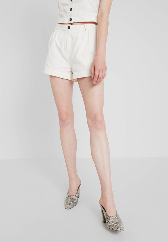 ROCIO SHORTS - Short - off white