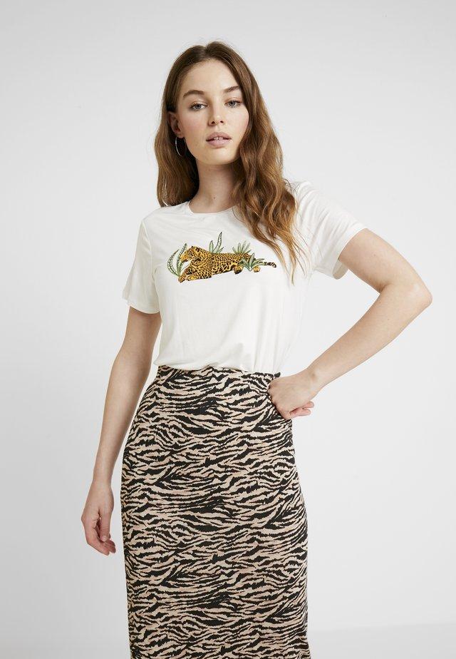 LEOPARD MOTIF TEE - Camiseta estampada - cream