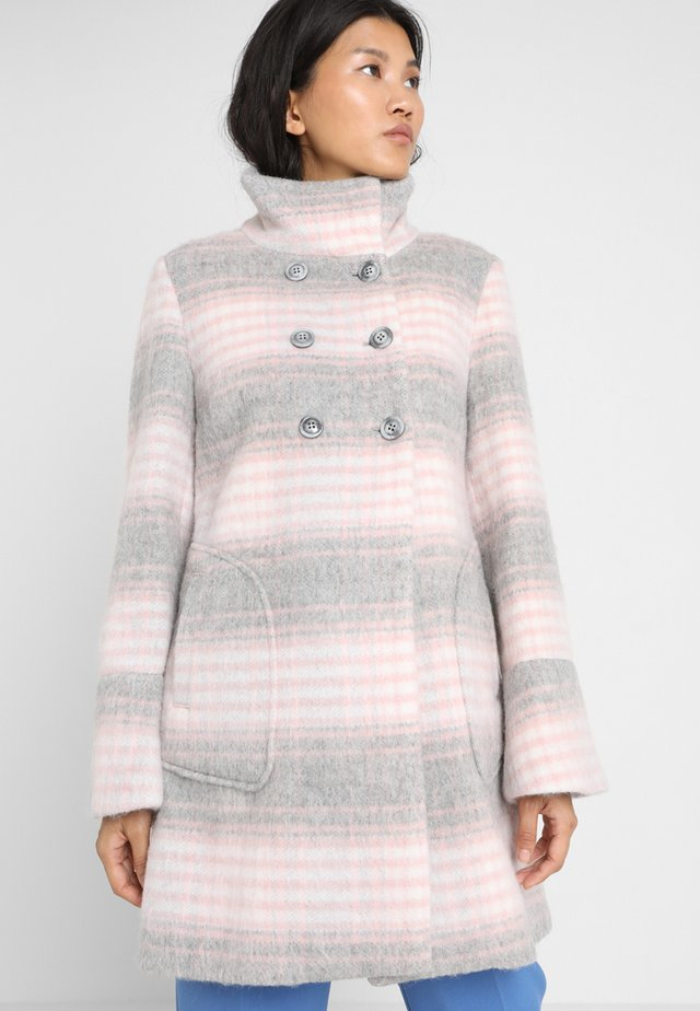 DOUBLE BREAST FUZZY BIG CHECK - Classic coat - pink