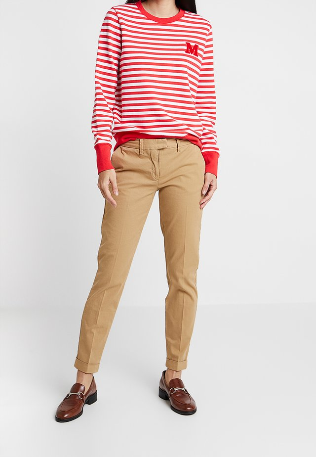 HERITAGE - Chinos - classic camel