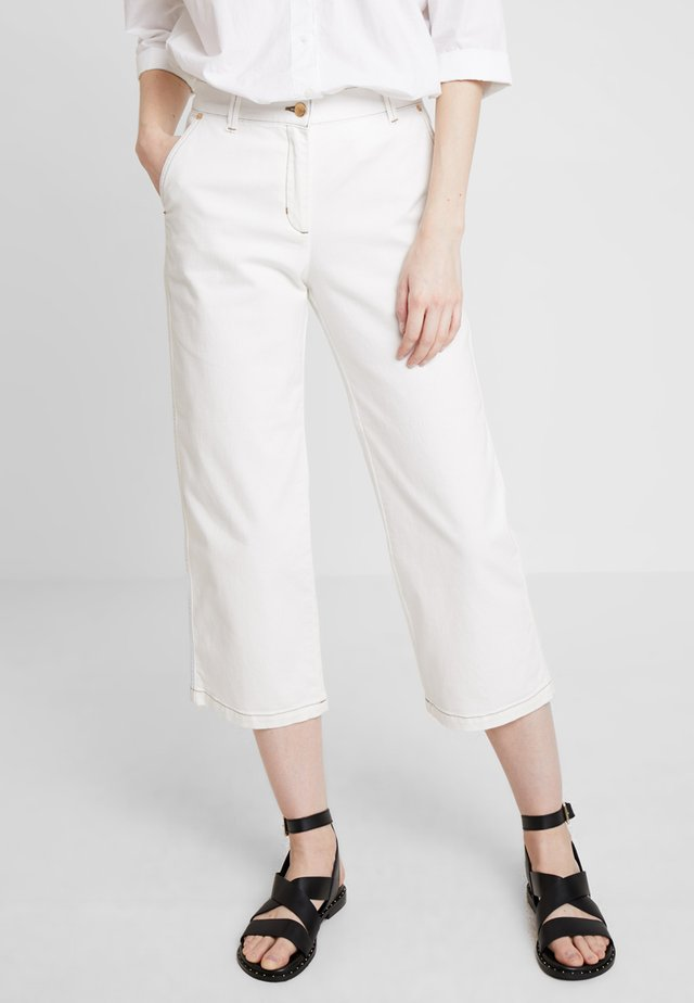 CROPPED SLIM SLOUCH - Straight leg jeans - eggshell