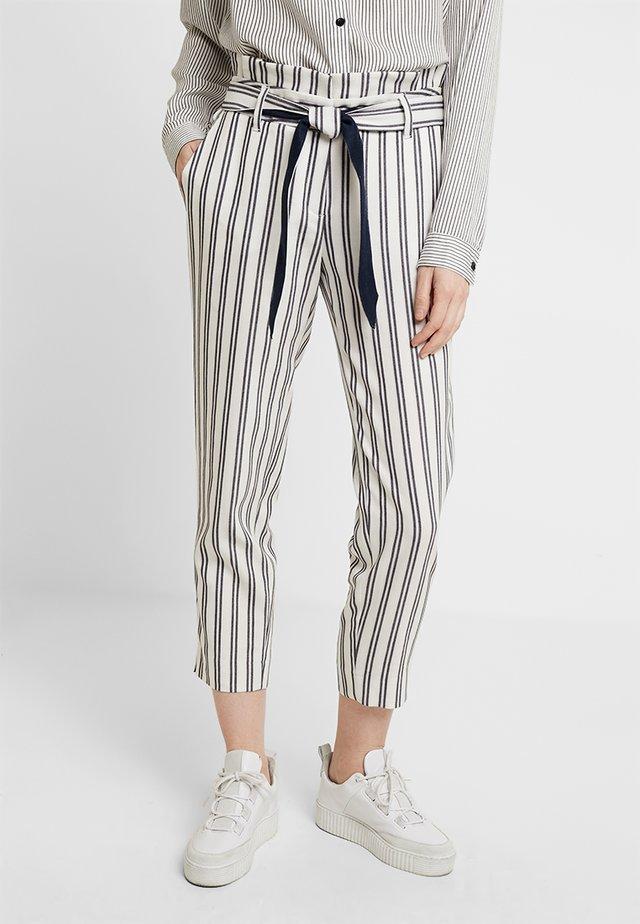 Pantalon classique - white/blue