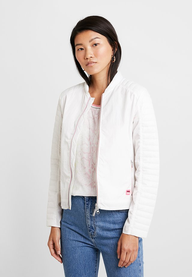 PADDED JACKET - Lett jakke - white