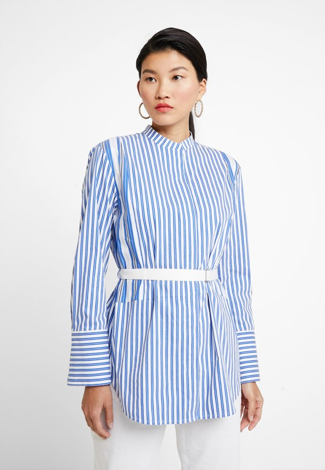 BLOUSE STAND UP COLLAR LONG - Blouse - light blue
