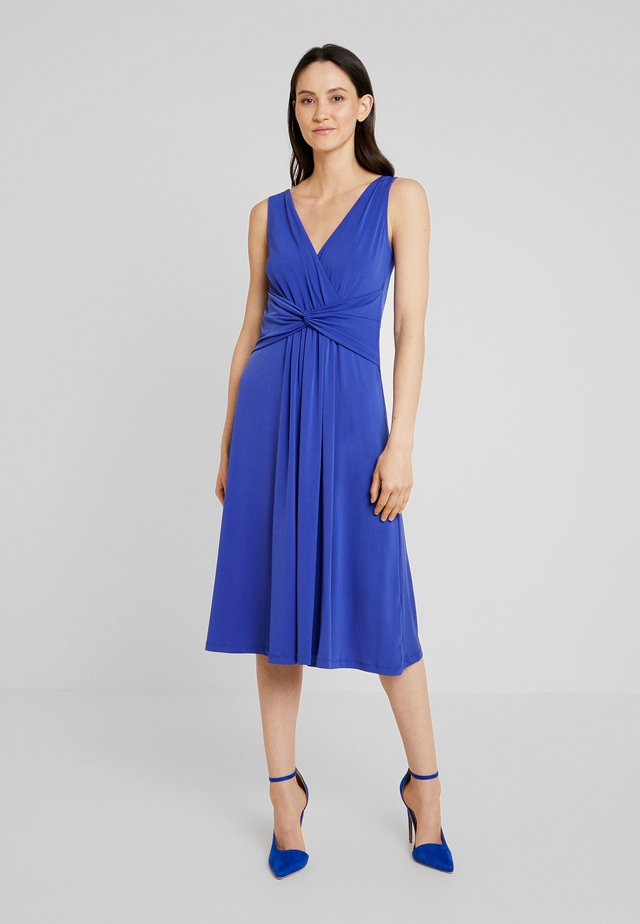Sukienka z dżerseju - clematis blue