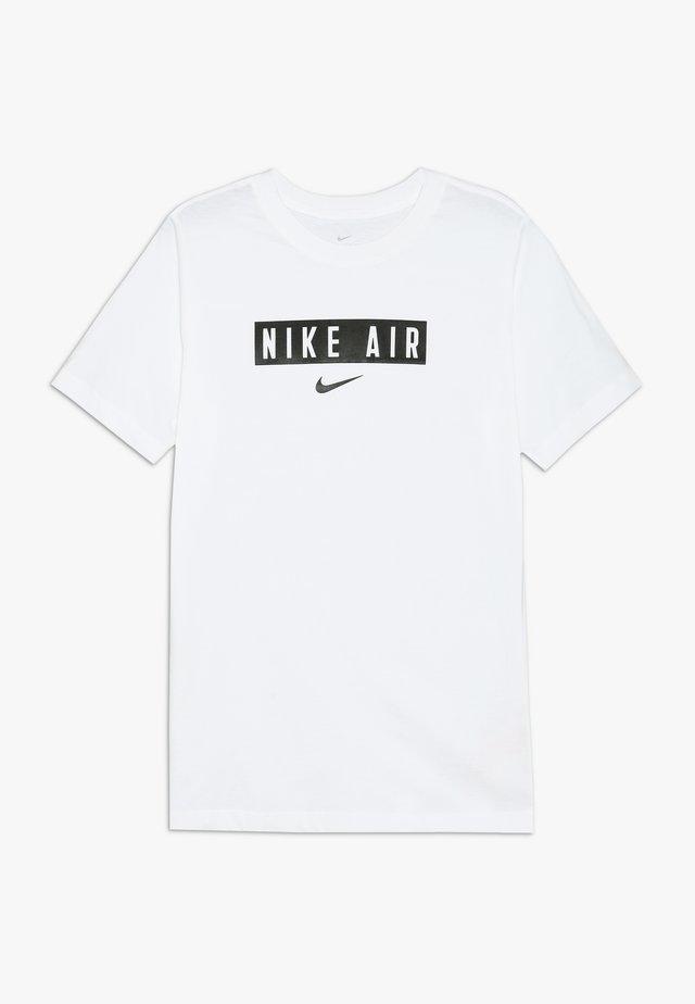 TEE AIR BOX - Print T-shirt - white/black