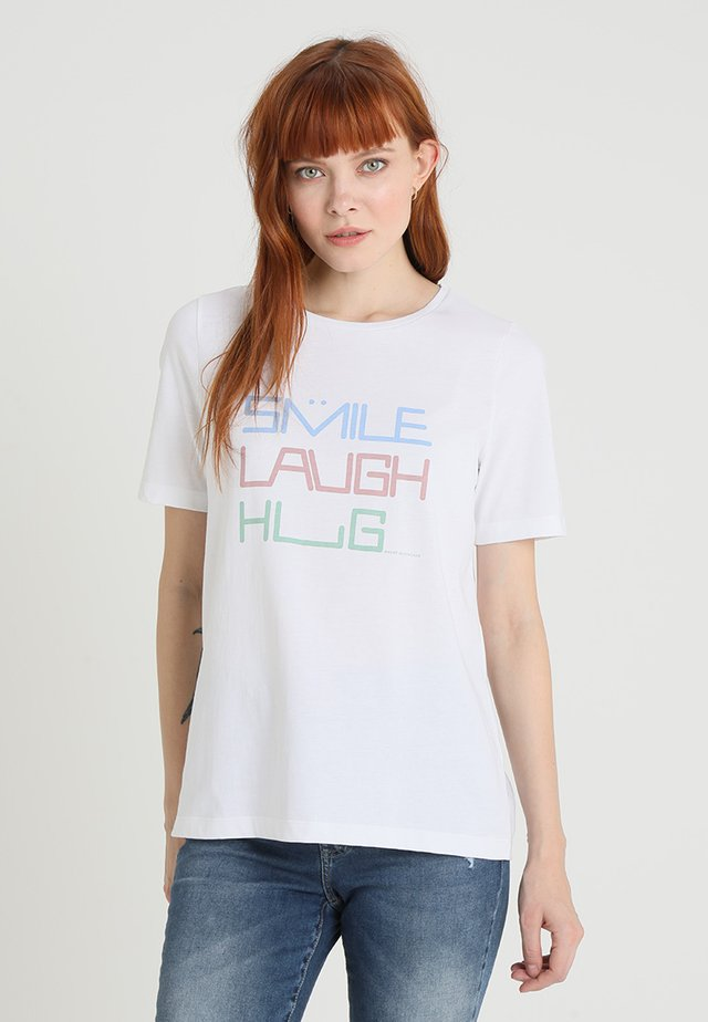 RUNDHALS - T-shirts med print - pure white