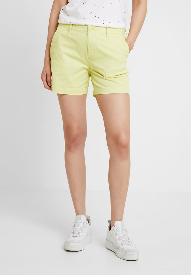 CITY - Shorts - superlime
