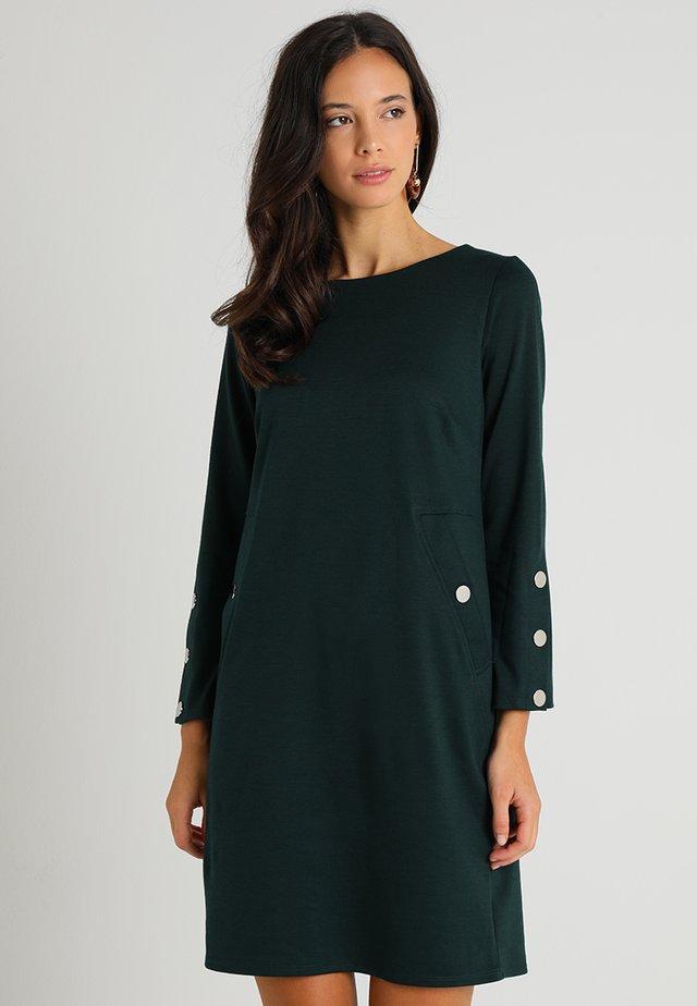 STUD SLEEVE PONTE SHIFT - Jersey dress - green