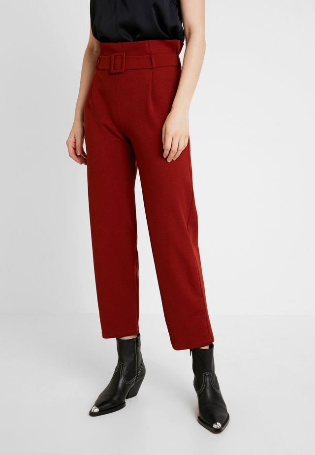 BELT PAPERBAG TROUSER - Trousers - terracotta