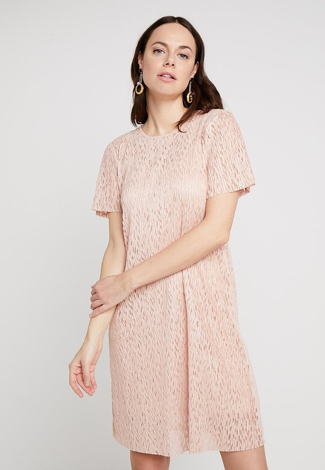 LISELOTTE DRESS - Freizeitkleid - rose dust