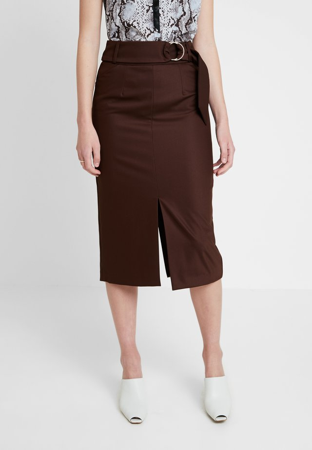 Blyantnederdel / pencil skirts - dark chocolate
