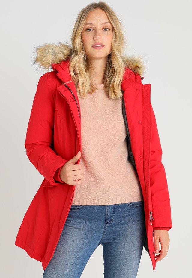 FUNDY BAY - Kabát zprachového peří - bright red