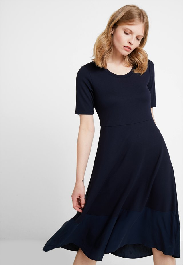 DRESS LONG - Sukienka z dżerseju - midnight blue