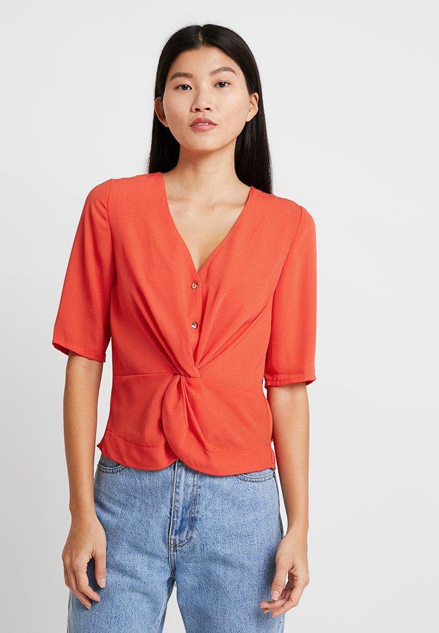 TWIST FRONT - Bluser - orange