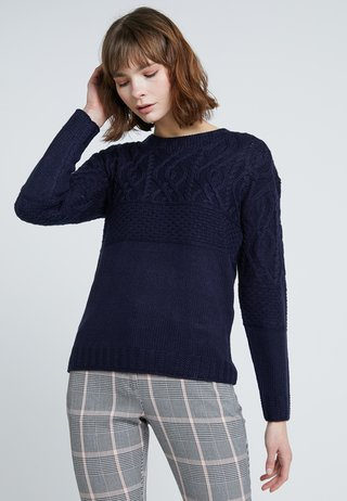 MAGGIE CABLE YOKE JUMPER - Strickpullover - navy