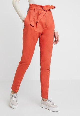 BASIC STRETCH - Pantalon classique - mecca orange