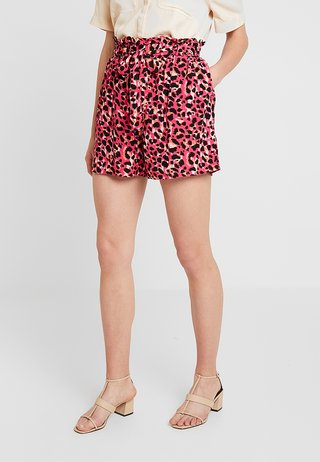 ANIMAL TAB DETAIL - Shorts - hot pink