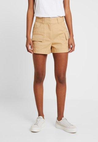 CHERRY - Shorts - beige