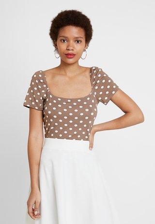 PRINTED MILKMAID - T-Shirt print - brown