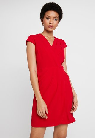PLEATED FRONT DRESS - Day dress - red