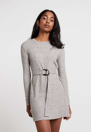 CUT AND SEW BELTED MINI - Strickkleid - charcoal