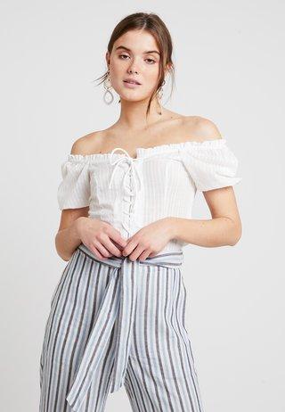 LARA BOUSE - Bluse - off-white