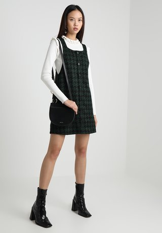 LARGE DOGTOOTH PINNY - Jumper dress - green