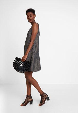 WOLINE - Vestido informal - grey