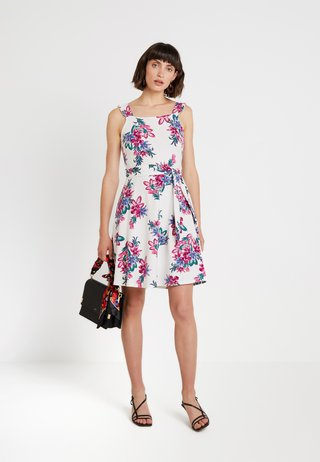 RUFFLE TIE - Jersey dress - white