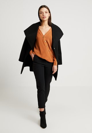 BUTTON WRAP - Bluse - toffee