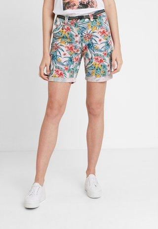 CHINO BERMUDA - Shorts - offwhite